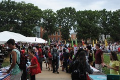 The center point of the McKeldin paths is full of students crowding around the hundreds of booths.