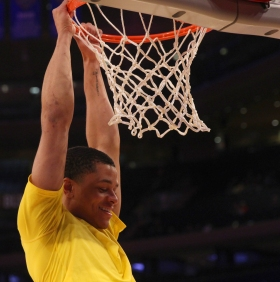 Anthony Cowan dunks during warmups.